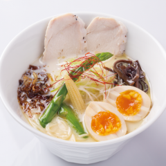 濃熟 鶏白湯 トロ玉ラーメン 塩